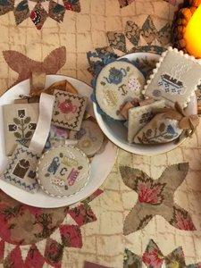 Festive Little Fobs : Teatime  - Heartstring Samplery