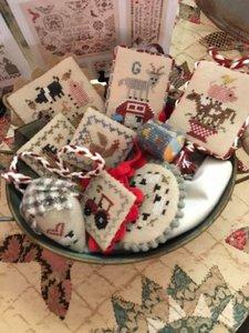 Festive Little Fobs -Barnyard - Heartstring Samplery